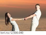Пара на закате. Стоковое фото, фотограф Ольга Хорошунова / Фотобанк Лори