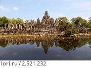 Купить «Развалины древнего кхмерского храма Байон в храмовом комплексе Ангкор Том, Сием Риап, Камбоджа», фото № 2521232, снято 12 декабря 2010 г. (c) Николай Винокуров / Фотобанк Лори