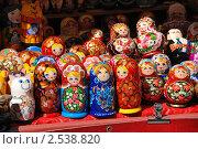 Купить «Русское народное творчество. Сувениры и игрушки», эксклюзивное фото № 2538820, снято 29 апреля 2010 г. (c) lana1501 / Фотобанк Лори