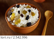 Кутья. Рисовая каша с изюмом. Стоковое фото, фотограф Maria Savelieva / Фотобанк Лори