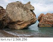 Огромные валуны на берегу моря. Стоковое фото, фотограф Камиля Сайдашева / Фотобанк Лори