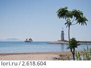 Купить «Маяк в порту Алании, Турция», фото № 2618604, снято 23 мая 2011 г. (c) Ольга Гаврилова / Фотобанк Лори