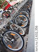 Стоянка велосипедов. Стоковое фото, фотограф Sergii Korshun / Фотобанк Лори