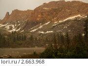 Ергаки, озеро Радужное на закате. Редакционное фото, фотограф Юрий Караваев / Фотобанк Лори