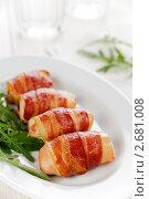 Куриное филе, запеченное в беконе. Стоковое фото, фотограф Ирина Завьялова / Фотобанк Лори