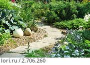 Купить «Дорожка в саду», фото № 2706260, снято 16 июля 2011 г. (c) Алексей Кузнецов / Фотобанк Лори