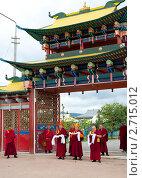Купить «Буддийский монах в интерьере иволгинского дацана. Бурятия.», фото № 2715012, снято 12 августа 2011 г. (c) Александр Подшивалов / Фотобанк Лори