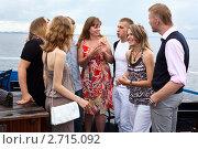 Купить «Общение в компании друзей», фото № 2715092, снято 17 июля 2011 г. (c) Кекяляйнен Андрей / Фотобанк Лори