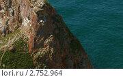 Купить «Скала возле берега. Остров Ольхон. Озеро Байкал», видеоролик № 2752964, снято 18 ноября 2019 г. (c) Виталий Зверев / Фотобанк Лори
