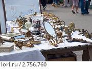 Купить «Продажа антиквариата на блошином рынке. Хельсинки», эксклюзивное фото № 2756760, снято 6 августа 2011 г. (c) Александр Щепин / Фотобанк Лори