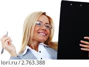 Купить «Деловая женщина с планшетом в руках», фото № 2763388, снято 25 января 2020 г. (c) Иван Михайлов / Фотобанк Лори