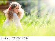 Купить «Красивая светловолосая девочка в летнем парке», фото № 2765016, снято 5 июня 2011 г. (c) Константин Ёлшин / Фотобанк Лори