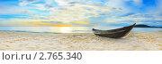 Купить «Панорама пляжа с рыбацкой лодкой», фото № 2765340, снято 17 июля 2009 г. (c) Ольга Хорошунова / Фотобанк Лори