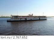 Пароход «Н. В. Гоголь» — колёсный пассажирский речной пароход, самое старое в России пассажирское действующее судно (2011 год). Редакционное фото, фотограф Алексей Мрочко / Фотобанк Лори
