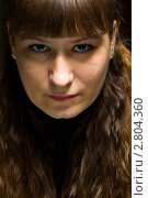 Купить «Портрет молодой женщины на чёрном фоне», фото № 2804360, снято 19 февраля 2011 г. (c) Влад Нордвинг / Фотобанк Лори