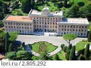 Купить «Вид сверху на сады и дворец-резиденцию губернатора Ватикана», фото № 2805292, снято 15 сентября 2011 г. (c) Николай Винокуров / Фотобанк Лори