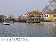 Купить «Ресторан на городских прудах. Хабаровск», фото № 2827636, снято 6 мая 2011 г. (c) Кривошеева Светлана / Фотобанк Лори