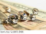 Драгоценные камни и деньги. Стоковое фото, фотограф Dzianis Miraniuk / Фотобанк Лори