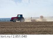 Купить «Посевные работы», фото № 2851040, снято 27 августа 2011 г. (c) Икан Леонид / Фотобанк Лори