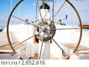 Штурвал на яхте. Стоковое фото, фотограф IEVGEN IVANOV / Фотобанк Лори