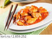 Купить «Курица в кисло-сладком соусе, китайская кухня», фото № 2859252, снято 24 апреля 2019 г. (c) Ирина Завьялова / Фотобанк Лори