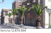 Аллея из пальм. Старая церковь. Италия (2007 год). Стоковое фото, фотограф Марина / Фотобанк Лори