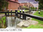 Купить «Искусственный водопад», фото № 2881156, снято 12 июня 2010 г. (c) Losevsky Pavel / Фотобанк Лори