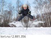 Юный лыжник на фоне берёзового леса. Стоковое фото, фотограф Losevsky Pavel / Фотобанк Лори