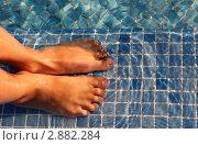Купить «Детские ноги в воде», фото № 2882284, снято 21 мая 2018 г. (c) Losevsky Pavel / Фотобанк Лори