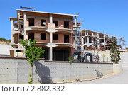Купить «Строительство жилого дома», фото № 2882332, снято 31 июля 2010 г. (c) Losevsky Pavel / Фотобанк Лори