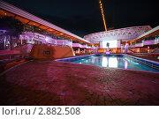 Купить «Плавательный бассейн на палубе Коста Делизиоса. Новейший круизный лайнер в Персидском заливе», фото № 2882508, снято 14 апреля 2010 г. (c) Losevsky Pavel / Фотобанк Лори