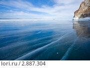 Купить «Байкал. Малое Море. Гладкий лед с трещинами у острова Ольхон», фото № 2887304, снято 26 марта 2011 г. (c) Виктория Катьянова / Фотобанк Лори