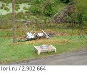 Купить «Последствия урагана. Повреждение электропередач.», фото № 2902664, снято 5 мая 2007 г. (c) EXG / Фотобанк Лори