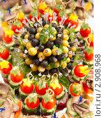 Канапе на праздничном столе. Стоковое фото, фотограф Иван Коваленко / Фотобанк Лори
