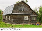 Купить «Загородный дом», эксклюзивное фото № 2916768, снято 3 июля 2010 г. (c) Алёшина Оксана / Фотобанк Лори