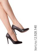 Купить «Женские ножки в туфлях», фото № 2928140, снято 4 ноября 2011 г. (c) Анастасия Репина / Фотобанк Лори