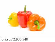 Купить «Три сладких перца разного цвета на белом фоне», фото № 2930548, снято 5 ноября 2011 г. (c) Ласточкин Евгений / Фотобанк Лори