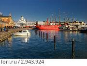 Утро в порту Хельсинки (2011 год). Редакционное фото, фотограф Терещенко Марина / Фотобанк Лори