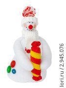 Снеговик с большой конфетой, самодельная игрушка. Стоковое фото, фотограф Иван Коваленко / Фотобанк Лори