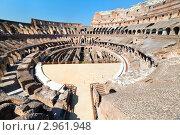 Купить «Панорамный вид на внутреннюю часть римского Колизей, город Рим, Италия», фото № 2961948, снято 14 сентября 2011 г. (c) Николай Винокуров / Фотобанк Лори