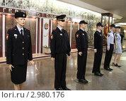 Купить «Летняя форма офицеров полиции на манекенах», эксклюзивное фото № 2980176, снято 28 октября 2011 г. (c) Free Wind / Фотобанк Лори