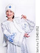 Женщина в наряде Снегурочки. Стоковое фото, фотограф Павел Сазонов / Фотобанк Лори