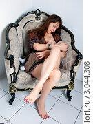 Купить «Кормление грудью», эксклюзивное фото № 3044308, снято 13 декабря 2011 г. (c) Куликова Вероника / Фотобанк Лори