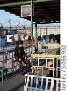 Купить «Арестантские будни», фото № 3066932, снято 18 ноября 2011 г. (c) Александр Подшивалов / Фотобанк Лори
