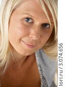 Купить «Портрет улыбающейся молодой блондинки крупным планом», фото № 3074656, снято 30 июля 2008 г. (c) Monkey Business Images / Фотобанк Лори