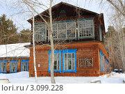 Купить «Остекленная мансарда на деревянном доме», фото № 3099228, снято 24 марта 2011 г. (c) Анатолий Матвейчук / Фотобанк Лори