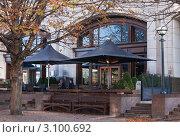 Купить «Лондонский паб. Терраса», фото № 3100692, снято 28 октября 2011 г. (c) Victoria Demidova / Фотобанк Лори