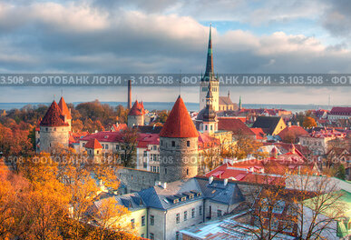 Вид на Старый город в Таллине, Эстония