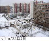 Купить «Москва. Виды города. Район Новокосино. Вид сверху на Новокосинскую улицу», эксклюзивное фото № 3122688, снято 26 декабря 2011 г. (c) lana1501 / Фотобанк Лори