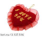 Купить «Подарок к дню Святого Валентина. Красное сердце», фото № 3137516, снято 12 января 2012 г. (c) Сергей Овчинников / Фотобанк Лори